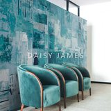 Daisy James behang The Palett Blue