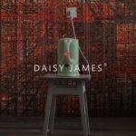 Daisy James behang The Deep